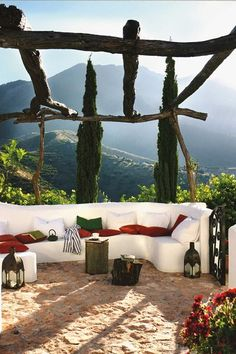A mishmash of Moorish majesty and Spanish rustic charm, the country houses of Andalucía are pure romance. Here are the 9 best haciendas to hole up in