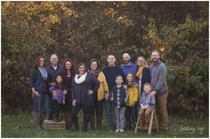 Lindsay Sage Photography, extended family photo, family photography, family posing, fall photography, ohio photography, natural light