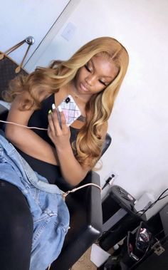 theDOLL🦄💛 (@___yanamarie) | Twitter Ombre Bob, Blond Ombre, Ariana Grande New Hair, Weave Hairstyles, Straight Hairstyles, Baddie Hairstyles, Kim Kardashian, Dame Chic, Blonde Lace Front Wigs