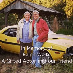 In memory of Ralph Waite. A gifted actor and our friend. Ralph Waite and Mark Harmon. Gibbs Ncis, Leroy Jethro Gibbs, Ncis Series, Tv Series, Criminal Minds, Chicago Fire, Ncis Rules, Ncis Stars, Detective