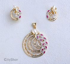 Pendant and earring set - Latest Jewellery Design for Women Ruby Jewelry, India Jewelry, Jewelry Art, Wedding Jewelry, Jewelery, Jewelry Design, Fashion Jewelry, Pendant Set, Diamond Pendant