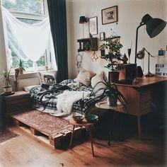 """1,850 Likes, 25 Comments - S M W 🌿🌓 (@sarahxwilhelm) on Instagram: """"Stellt noch jemand seine Möbel jede Woche um?"""""""