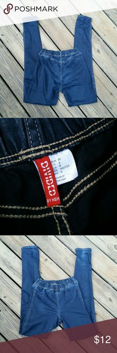 "H & M Divided Skinny Jeans H & M brand, Divided, dark wash, pull on skinny jeans. Inseam is 32"". H&M Jeans Skinny"