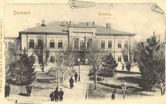 Cum a fost infiintata Primaria Bucurestiului si Sfatul Orasenesc? Little Paris, Bucharest Romania, Amazing Architecture, Time Travel, Tourism, Wall Art, Country, Beautiful, Pictures