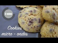 Cookies Micro-ondes - YouTube  Recette vraiment simple et rapide. Je l'ai testée et ça marche! Il faut bien vérifier la cuisson toutes les 20 secondes pour un résultat top.