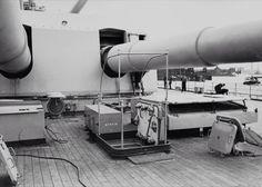 x Bismarck Dora turret Bismarck Ship, Bismarck Model, Bismarck Battleship, Heavy Cruiser, Navy Ships, Aircraft Carrier, War Machine, Military Aircraft, World War Two