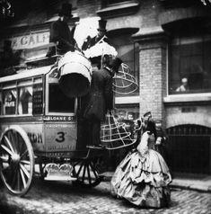 Muerte y contrabando: las consecuencias de la crinolina victoriana. http://www.yorokobu.es/muerte-y-contrabando-las-consecuencias-la-crinolina-victoriana/