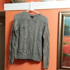 Gray Sweater Size Small perfect condition H&M Sweaters