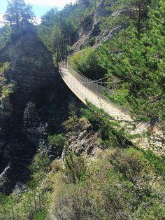 Nos gusta la zona del Berguedà, asi que de nuevo nos acercamos a ella, en esta ocasión para hacer una pequeña excursión por La Vía del Ni...