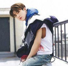 no i mean oppaaa u looks v v good :( Ikon Leader, Yg Artist, Kim Hanbin Ikon, Ikon Wallpaper, Cute Korean Boys, Band Pictures, Boys Like, Kpop