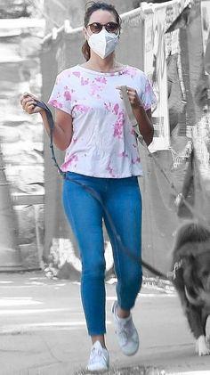 Aubrey Plaza in Los Angeles, California on Saturday 26/09/2020 #VeronicaTasmania Aubrey Plaza, Tasmania, Verona, Mena Suvari, California, Off Duty, Audrey Hepburn, Color Splash, Harajuku