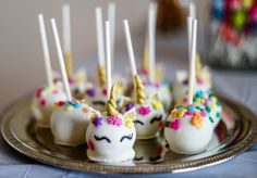 The babycakes cake pop maker brings the fun and delicious cake pops trend into your own kitchen. Cute Cakes, Yummy Cakes, Babycakes Cake Pop Maker, Babycakes Recipes, Unicorn Cake Pops, Candy Wafers, Unicorn Themed Birthday Party, Vegan Candies, Fancy Cupcakes