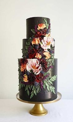 22 The most beautiful wedding cakes with floral - wedding cake ideas weddingcake wedding cakeideas wedding cake with flowers cake 173670129368403623 Black Wedding Cakes, Floral Wedding Cakes, Wedding Cakes With Flowers, Beautiful Wedding Cakes, Wedding Cake Designs, Beautiful Cakes, Elegant Wedding, Rustic Wedding, Perfect Wedding