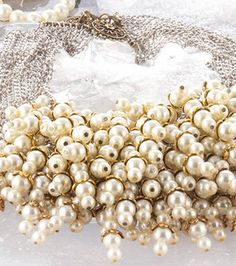 Pearl necklace -- find out how to make your own :) #holiday #glam #jewelry