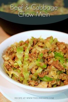 family has been enjoying this delicious Beef and Cabbage Chow Mein for years! Our family has been enjoying this delicious Beef and Cabbage Chow Mein for years! Cabbage Recipes, Meat Recipes, Asian Recipes, Cooking Recipes, Healthy Recipes, Healthy Meals, Healthy Food, Recipies, Chinese Recipes