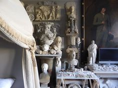 I've admired the magical London home of plaster artist Peter Hone countless times over the years, and it's about time I shared it with you! Brimming with antiques, architectural fragmen…
