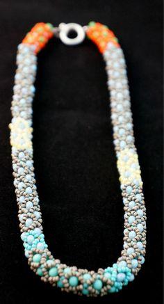 でれでれ DereDere Jewellery - Netted Flowers Necklace