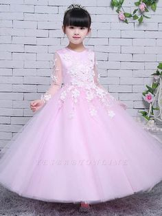 baby girl party dresses is selling Affordable lovely ball gown and A-line lace or tulle flower girl dresses. Just visit and browse the Tulle flower girl dresses you want. Cute Flower Girl Dresses, Tulle Flower Girl, Baby Girl Dresses, Cute Dresses, Girls Dresses Online, Gowns For Girls, Dress Online, Tulle Lace, Tulle Dress