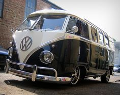 Lovely VW Bus by ComfortablyNumb