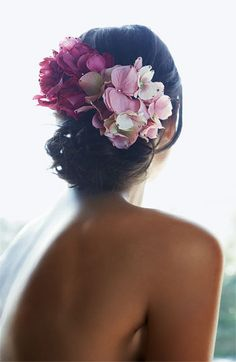 @Am Martino I love this...maybe with all white?  tasha hydrangea hair clip -