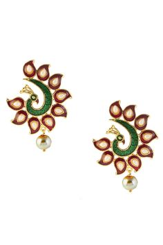 Festive Wear Red And Green Earrings Product Code : ER0680885  Price   :Rs 308  Material:Alloy Color:Red Green Style:Earrings Occasion:Festive Wear Content:Earrings