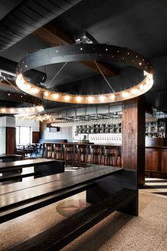 Industrial lighting in this bar. Industrial lighting in this bar. Vintage Industrial Furniture, Industrial Farmhouse, Industrial House, Industrial Interiors, Industrial Lighting, Modern Industrial, Bar Lighting, Modern Bar, Industrial Bedroom