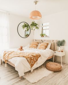 Home Interior Green Boho bedroom decor ideas decor.Home Interior Green Boho bedroom decor ideas decor Boho Bedroom Decor, Boho Room, Room Ideas Bedroom, Bedroom Designs, Bedroom Inspo, Ikea Bedroom Design, Wall Decor Boho, Bright Bedroom Ideas, Square Bedroom Ideas