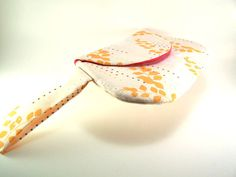 Orange and White Flower Clutch Purse with Wrist Strap #etsy #etsyretwt