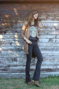 Hippie Style, Hippie Boho, My Style, Boho Fashion, Fashion Outfits, Womens Fashion, Moda Hippie, Fringe Jacket, Flare Jeans