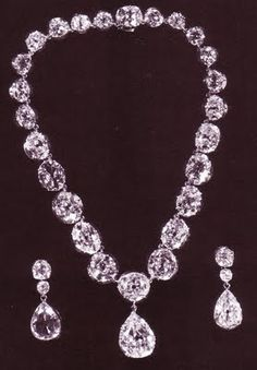 Queen Victoria's Collet Necklace and Earrings