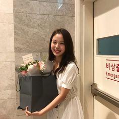 Korean Actresses, Korean Actors, Actors & Actresses, Ryu Won, Korean Hair Color, Insta Photo Ideas, Kdrama Actors, Bridesmaid Dresses, Wedding Dresses