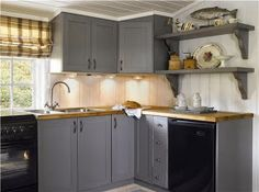Hytta -vårt andre hjem - Happy Homes Norge Cabin Design, House Design, Timber House, Window Coverings, Scandinavian Design, Kitchen Cabinets, Cottage, Flooring, Home Decor