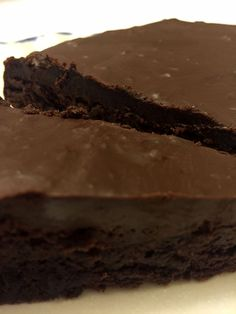 This mouthwatering flourless chocolate cake is simply amazing! It's rich, it's smooth, and it deliciously fills your mouth with intense chocolate flavor! If you love chocolate, you must make this cake! An added bonus is …