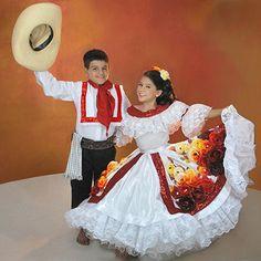Hsastalos màs pequeños disfrutan de las Fiesta de San Pedro en el #Huila manteniedo viva nuestra tradiciòn.