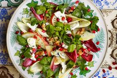 Autumn Salad with Pears, Blue Cheese & Caramelised Walnuts - https://www.yeovalley.co.uk/the-valley/in-the-kitchen/recipe/autumn-salad-with-pears-blue-cheese-caramelised-walnuts