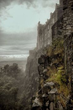 Misty, Stirling Castle, Scotland Image via Husam Celts Photography