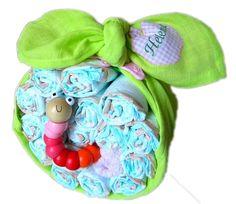 Windeltorte Apfel grün für Mädchen - mit Namen von Babygeschenke-Shop.de auf DaWanda.com