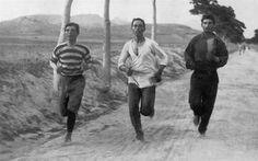 Imagens 100 anos antes e depois                                          Maratona Olímpica - 1892 (Atenas, Grécia) e 2012 (Londres, Reino Unido)