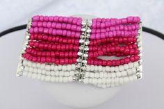#Schmuck #Armband #rosa #pink #silber #weiß  Hier zeige ich Euch ein wundervolles leicht elastisches Armband mit Rocailles in weiß rosa, pink und silber.    Die nicht ausgedehnte Version des...