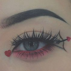 Valentines day makeup looks exceptional whether it is subtle or very bright. Check out our holiday makeup ideas and choose the one that works best for you. Makeup Eye Looks, Creative Makeup Looks, Eye Makeup Art, Cute Makeup, Pretty Makeup, Eyeshadow Makeup, Lip Makeup, Pink Eyeshadow, Beauty Makeup