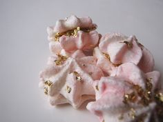 Miss Kitty meringue with edible gold.