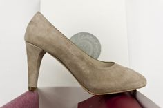 #zapato #salon #ante #suede #leather #shoes #moda #fashion #madeinspain #heels #tacones #plataforma #oculta #tiendaonline #eshop jorgelarranaga.com