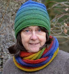Ullcentrum - Rundsjal och mössa i ringar Lappland, Beanie, Neck Warmer, Wool Yarn, Ravelry, Cowl, Knitted Hats, Crochet, Etsy