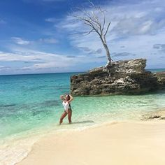 I Love Life and she love me back.. 🌾💕🐚 / @omgmiamiswimwear #Bahamas #Paradise #Lovemylife - The Bruna Twins® (@dannitabruna)