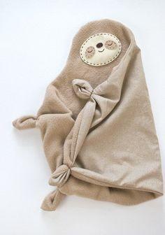 DIY Sleepy Sloth Lovey Blanket | Hellobee