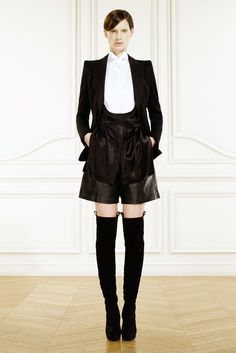 Givenchy Pre-Fall 2010 Fashion Show - Iris Strubegger