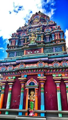 The amazing Hindu temple in Nadi, Fiji. That's right, this is in the South Pacific, not the Sub-Continent!