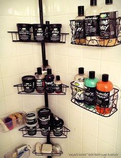 it sad and/or scary that I either have more Lush than this, or the same amount. I'd love these things to organize all my Lush! Beauty Care, Beauty Hacks, Beauty Tips, Lush Beauty Routine, Beauty Products, Beauty Solutions, Avon Products, Face Products, Rangement Makeup