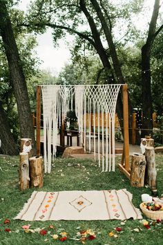 Looking to throw a Bohemian wedding party? Here are 10 Bohemian wedding ideas you'll love, everything from hairpieces to invites to decor. Your Bohemian wedding is guaranteed to be a beautiful boho chic bash! Outdoor Wedding Decorations, Wedding Themes, Wedding Styles, Decor Wedding, Wedding Venues, Wedding Ceremonies, Outdoor Weddings, Wedding Advice, Wedding Centerpieces