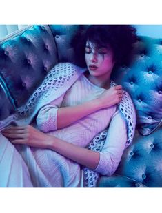Elegant Weaving – Fei Fei Sun dons the perfect suburban wardrobe for Lachlan Bailey's recent work featured in Vogue China September. Styled by Clare Richardson, the Chinese beauty is sublime in elegant knitwear and jewel toned shades. Tousled tresses by hair stylist Rudi Lewis and red lips by makeup artist Hannah Murray bring a retro twist to the autumn looks.